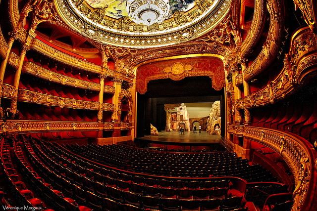 A sala de concertos da Ópera Garnier.