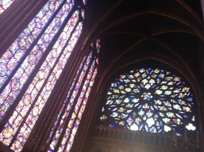Os lindos vitrais da Sainte Chapelle