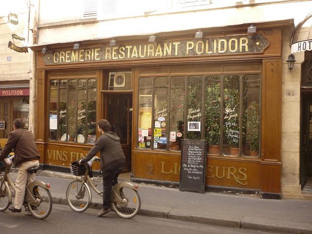 O restaurante Polidor foi usado como cenário do filme Meia Noite em Paris, de Woody Allen