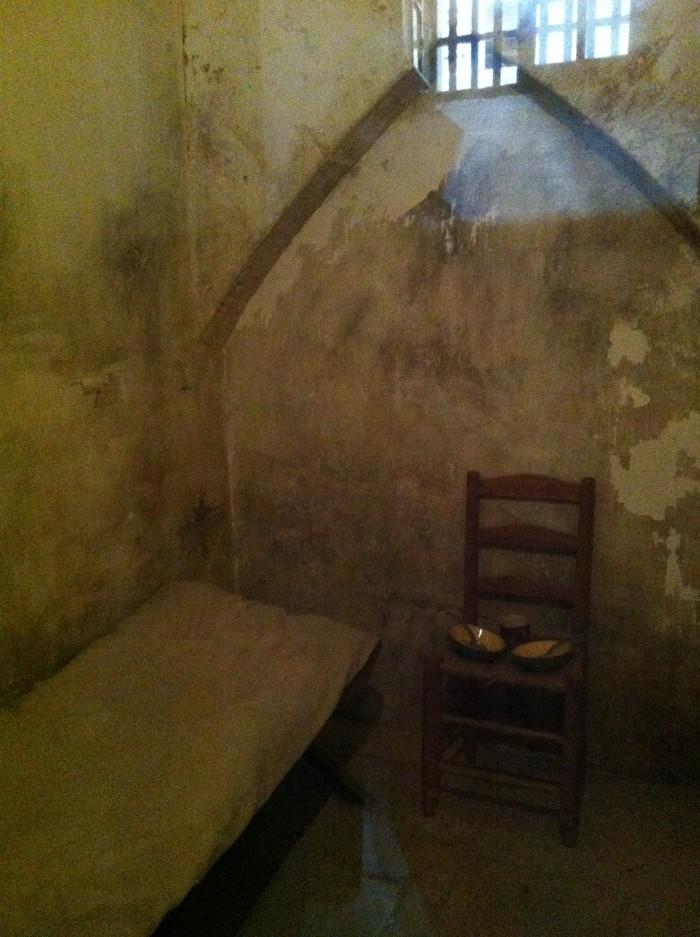 Reconstituição das celas para os prisioneiros abastados
