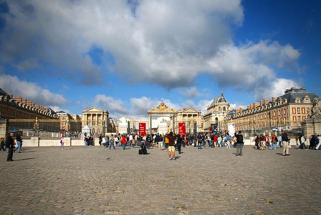 Entrada do castelo de Versailles.