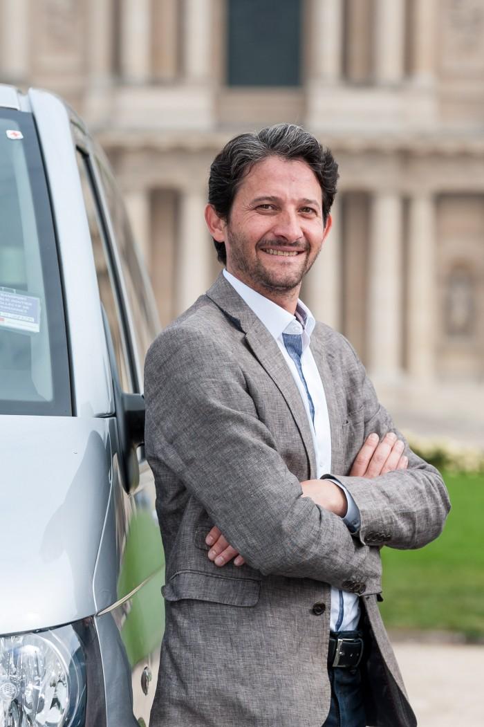 Junior Franco, motorista da empresa França Entre Amigos