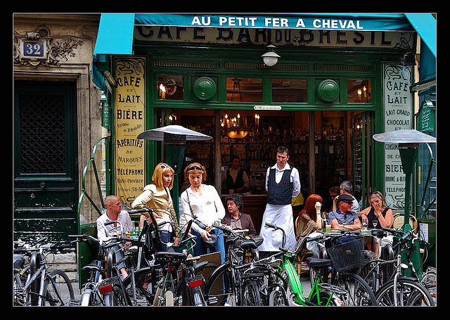 Tradicional café no Marais.