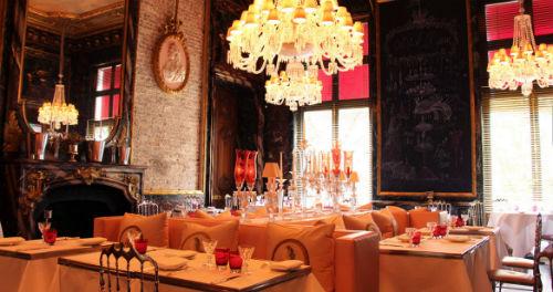 O bonito restaurante Cristal Room tem menu assinado pelo chef Guy Martin