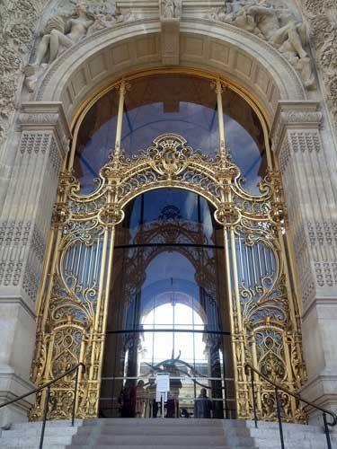 Petit Palais e sua porta dourada