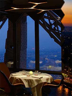 Natal Nos Restaurantes Da Torre Eiffel