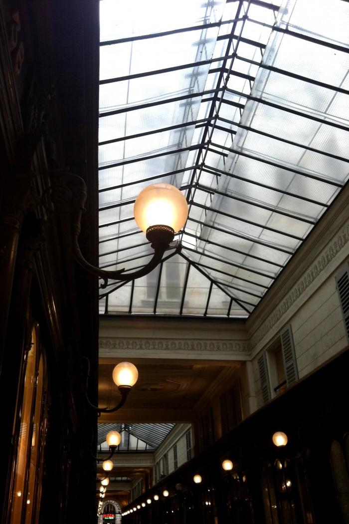 Teto da galerie Véro Dodat em Paris