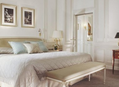 Deluxe-Room_hotel_le_meurice