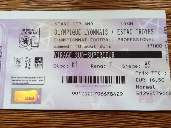 Ingresso partida de futebol em Lyon
