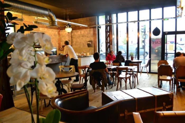 Café Lomi, em Paris
