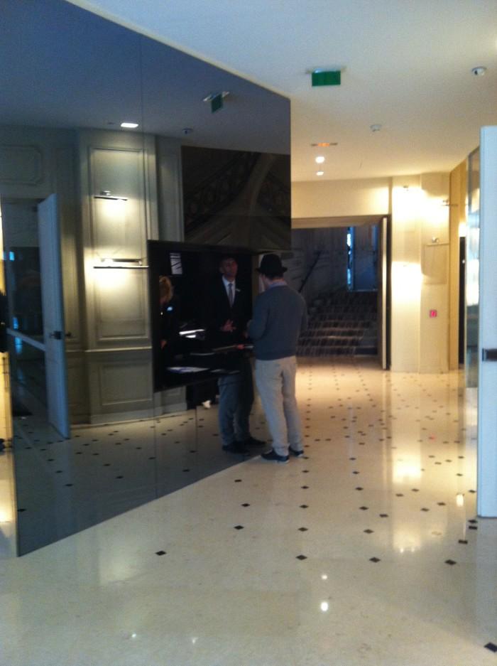 Recepção do hotel Maison Champs Elysées