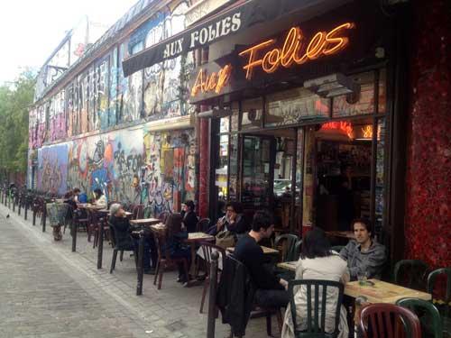Um dos cafés frequentados por Edith Piaff