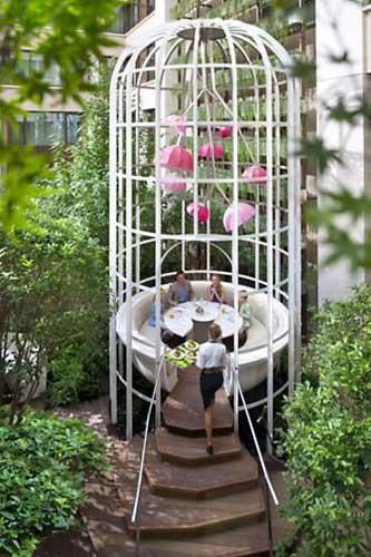 Reserve esta mesa quando estiver em Paris
