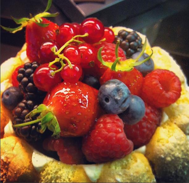 Torta de frutas vermelhas, na Grande Épicerie de Paris