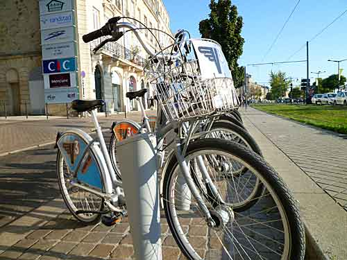 Ponto de locação de bicicletas da