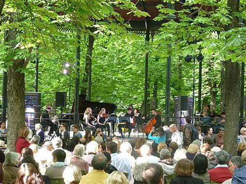 Kiosque música do Luxembourg. Foto Sérgio T. Gonçalves