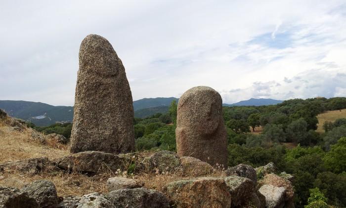As perafitas no sítio arqueológico de Filitosa. Foto de , no Flickr.