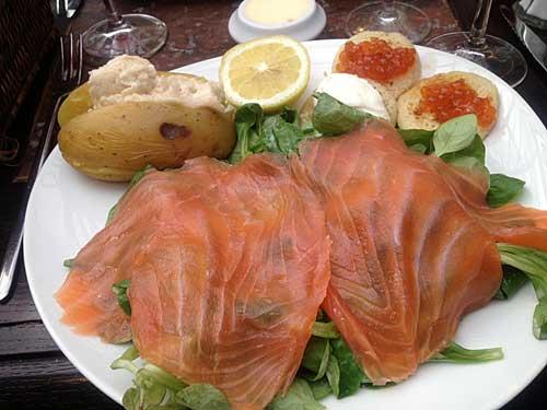 L'assiette saumon fumé et tarama