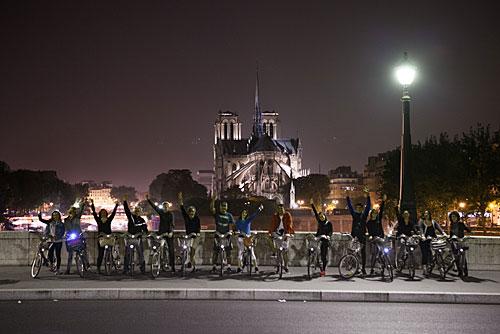 Visita da catedral no silência de meia noite em Paris