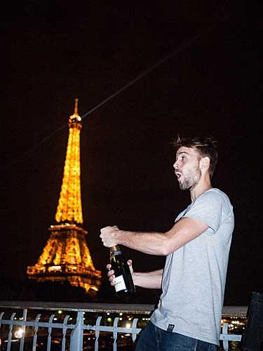 O brinde Meia Noite em Paris