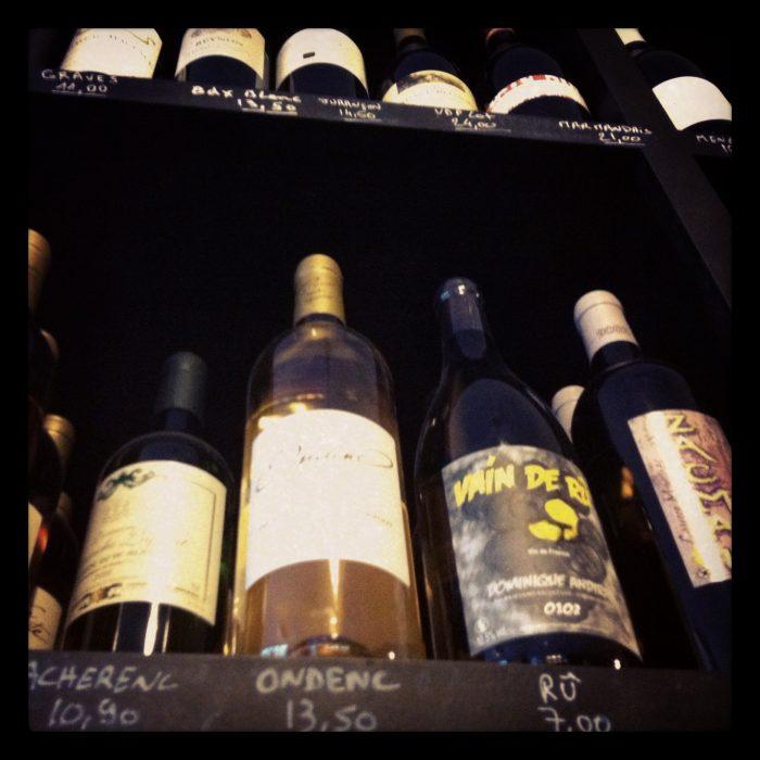 Onde comprar vinhos: em caves especializadas ou supermercados?