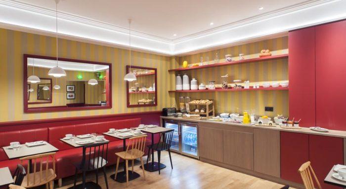 Sala de café da manhã do Hotel des Artistes, em Lyon