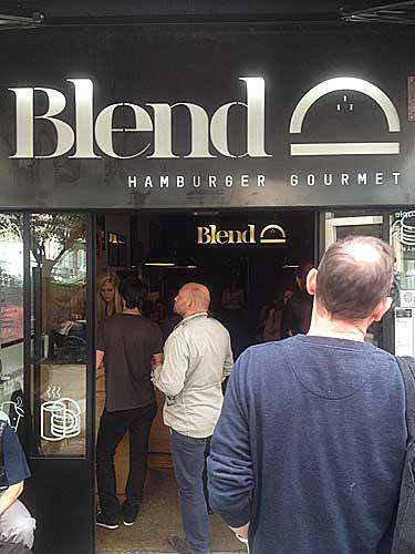 Blend, um dos melhores burger de Paris