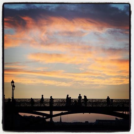 Pont des Arts sob o pôr do sol. Foto de Ana Sofia Mel