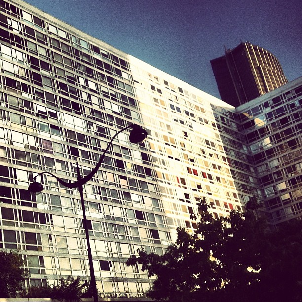 A rua do hotel Pullman Montparnasse