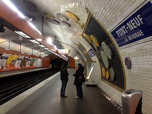 Estação metrô parisiense