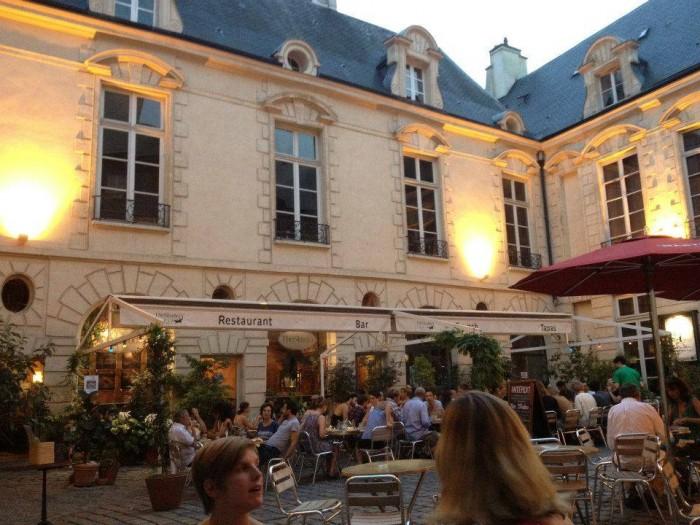 O café do Centre de Danse du Marais
