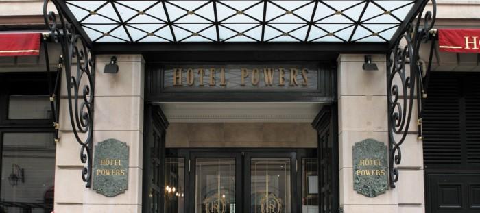 A fachada do hotel