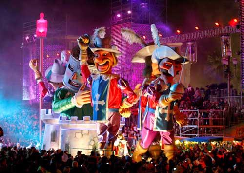 Carnaval de Nice, desfile noturno