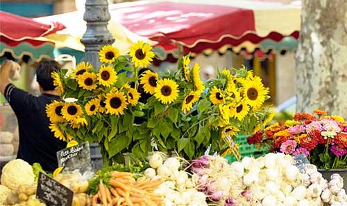 Aix en Provence: mercado de frutas, legumes e flores