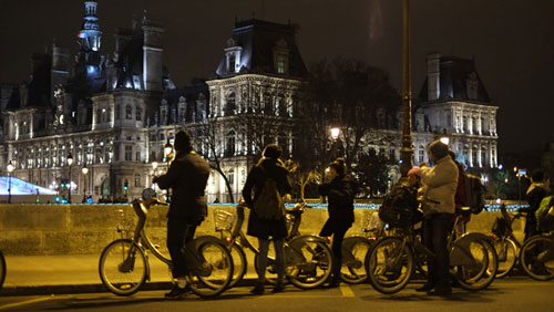 Tarde da noite, Paris possui outro charme