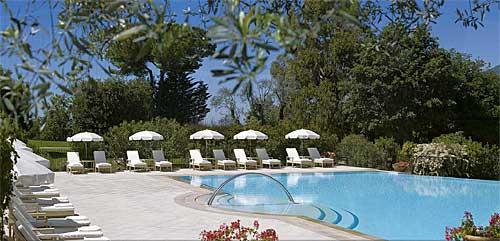 """Um dos elegantes hotéis da Côte d""""Azur"""