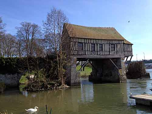 Ponte com construção