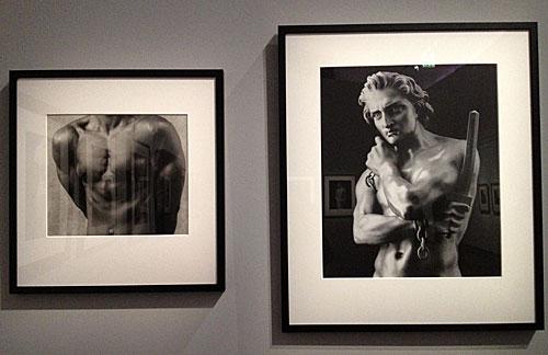 Comparação entre foto e escultura clássica