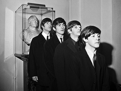 Os Beatles e o busto de Napoleão Bonaparte