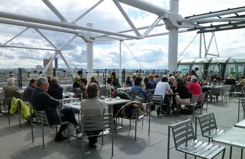 Varanda do Georges, no teto do Centre Pompidou