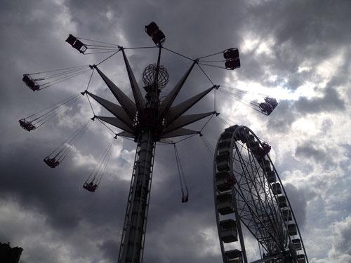 Parque de diversões no Tuileries