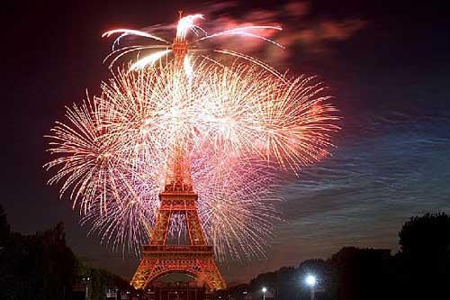 Fogos de artifício da torre Eiffel. Marie de Paris, Sophie Robichon