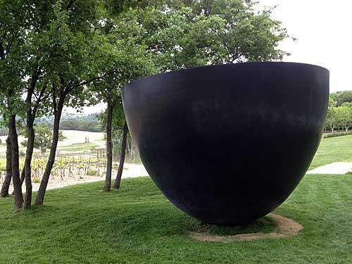 Obras de arte entre vinhedos e oliveiras
