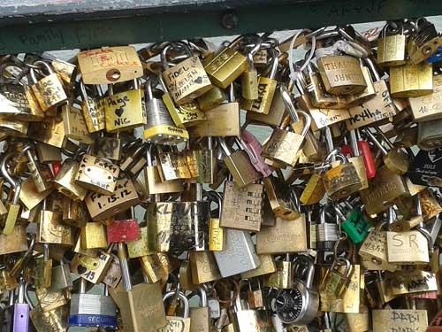 Cadeados em Paris