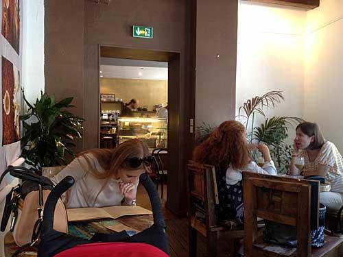 Uma das salas do Caféothèque