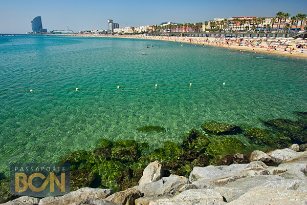 A praia de La Barceloneta