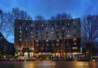 generator paris hostels em paris