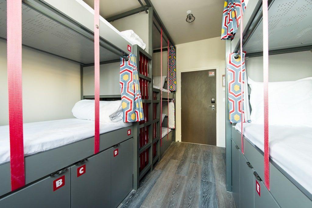 bom hostel em paris