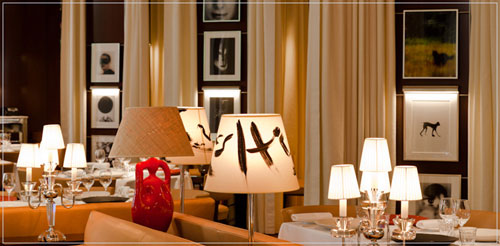 Bar do Hotel Royal Monceau