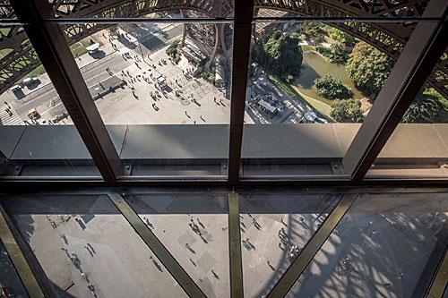 Vista primeiro andar torre Eiffel